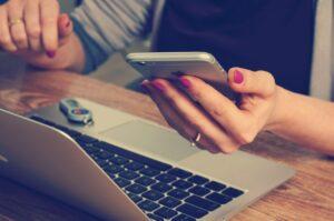 Flirt Kontakte auf dem Handy